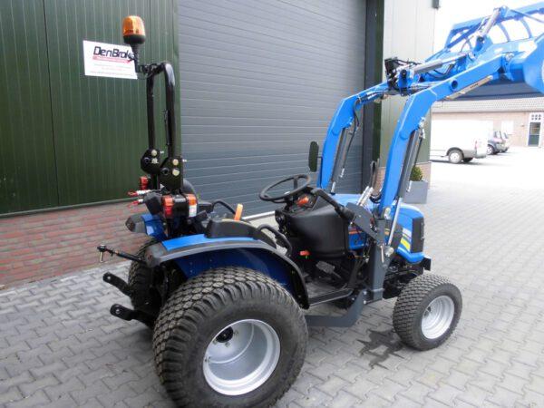 Solis 26 4WD met voorlader